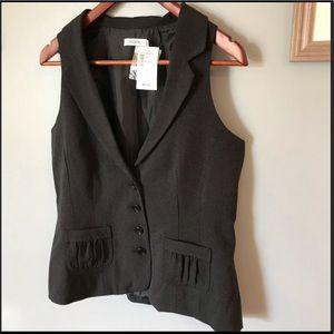 Cute vest 😍 NWT